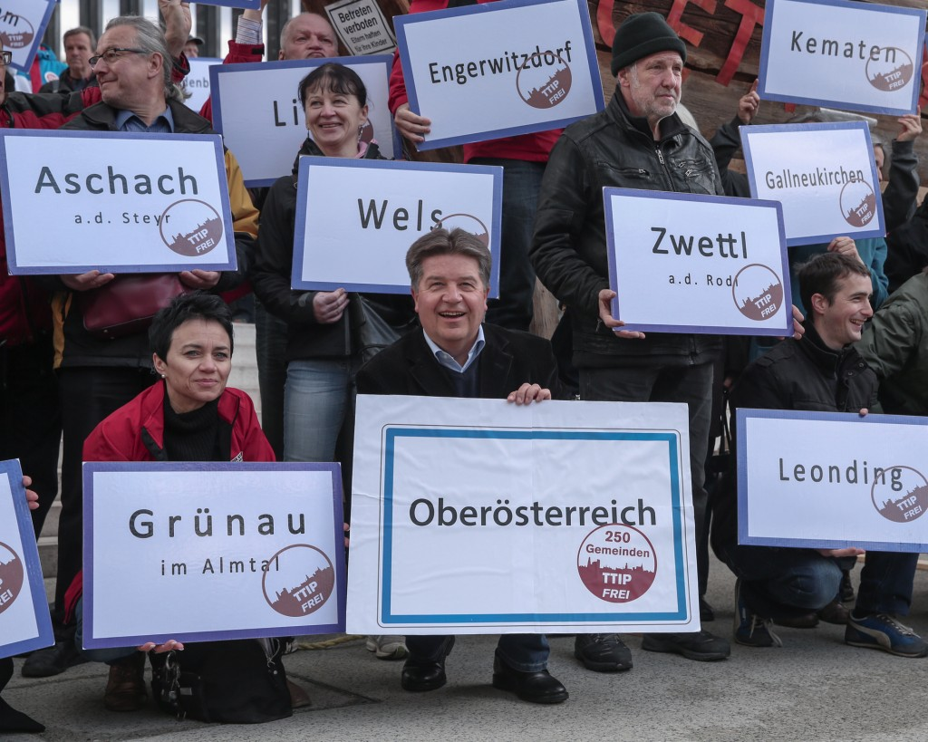 Pressebild TTIP Stoppen Demo Linz